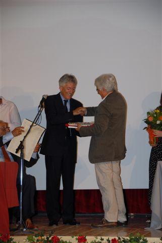 Sergio Belardinelli premiato dal presidente Timoteo Benedetti