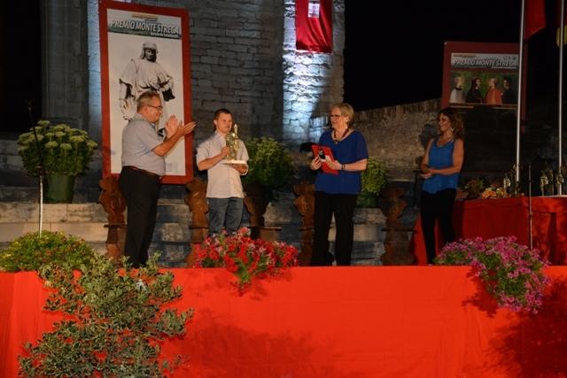 Luca Mancioli premiato dal presidente nazionale FISDIR Marco Barzacchini