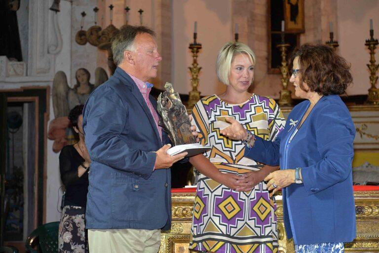 Premio alla memoria di Lillian Ann Maracchini consegnato al marito Vincent Repesh e alla figlia Nathalie dalla presidente Ivana Jachetti