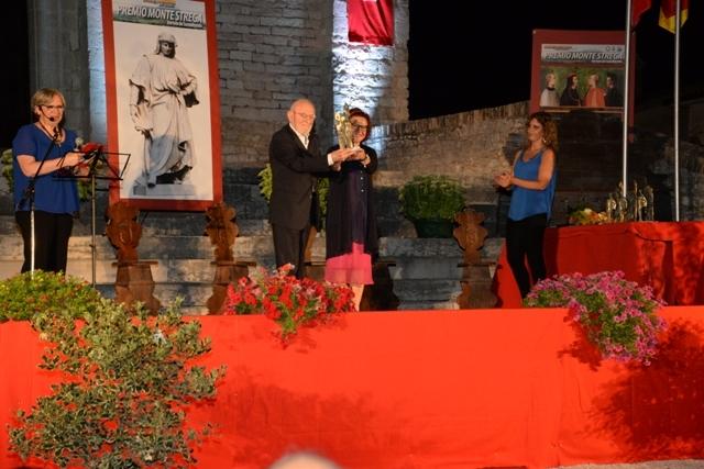Francesco Tosoni Gradenigo premiato dalla presidente Ivana Jachetti
