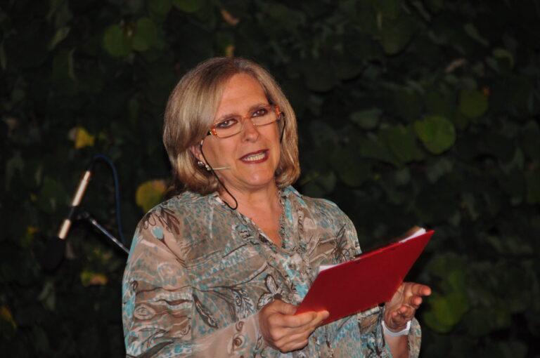 La presentatrice della manifestazione Cinzia Vitaletti